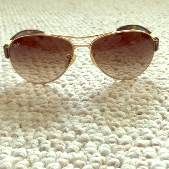 a7a496e2f9 Ray-Ban Accessories - Rayban aviators lightly worn